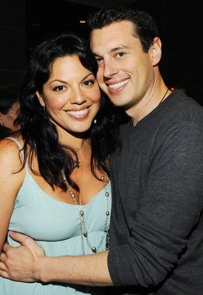 http://static.thehollywoodgossip.com/files/sara-and-ryan_293x425.jpg