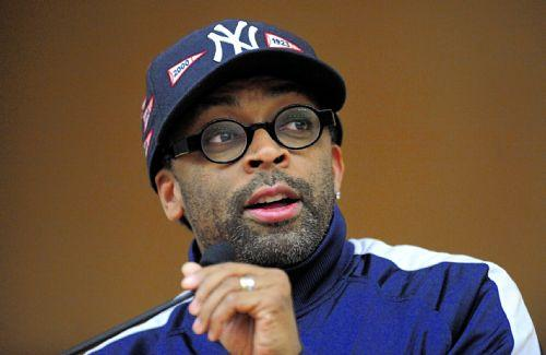 http://static.thehollywoodgossip.com/files/spike-lee-pic_500x325.jpg