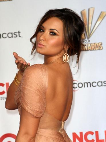 Demi Lovato Stretch Marks Demi lovato ey.