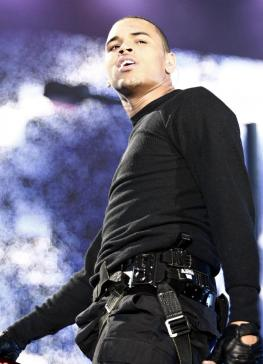 http://static.thehollywoodgossip.com/images/gallery/angry-chris-brown_263x364.jpg