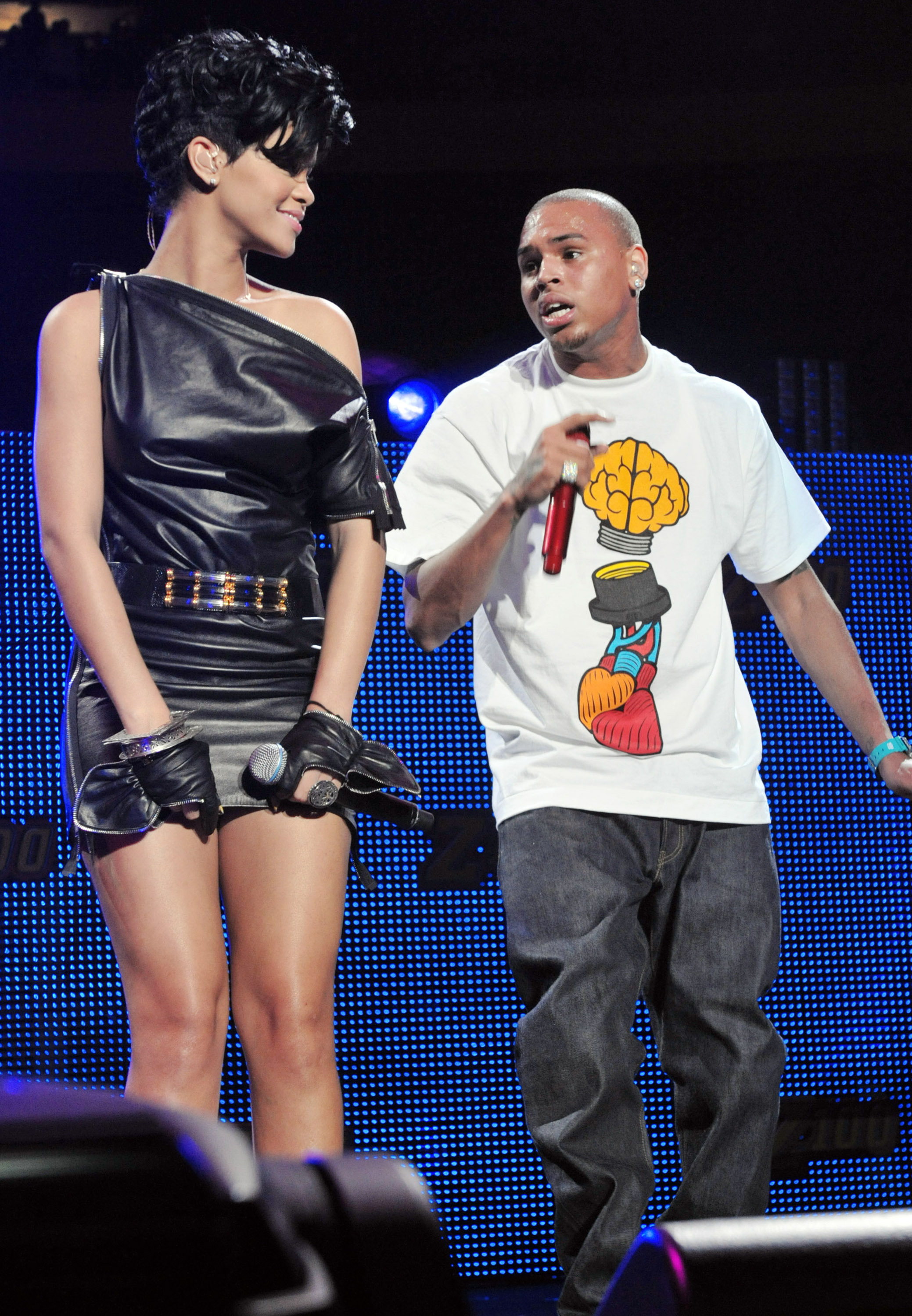 chris brown and rihanna images. Chris Brown and Rihanna Live