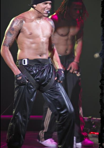 chris brown pictures no shirt