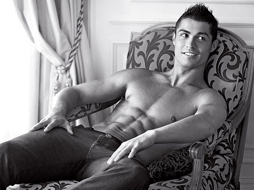 christiano ronaldo shirtless