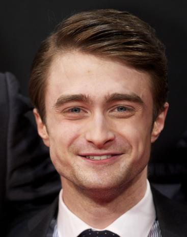 http://static.thehollywoodgossip.com/images/gallery/daniel-radcliffe-photograph_367x465.jpg