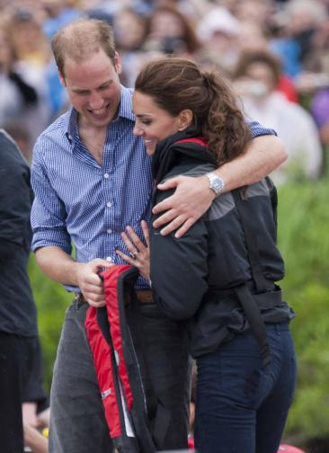 Celeb GOSSIP » Prince William Bests Kate Middleton in Dragon Boat Race