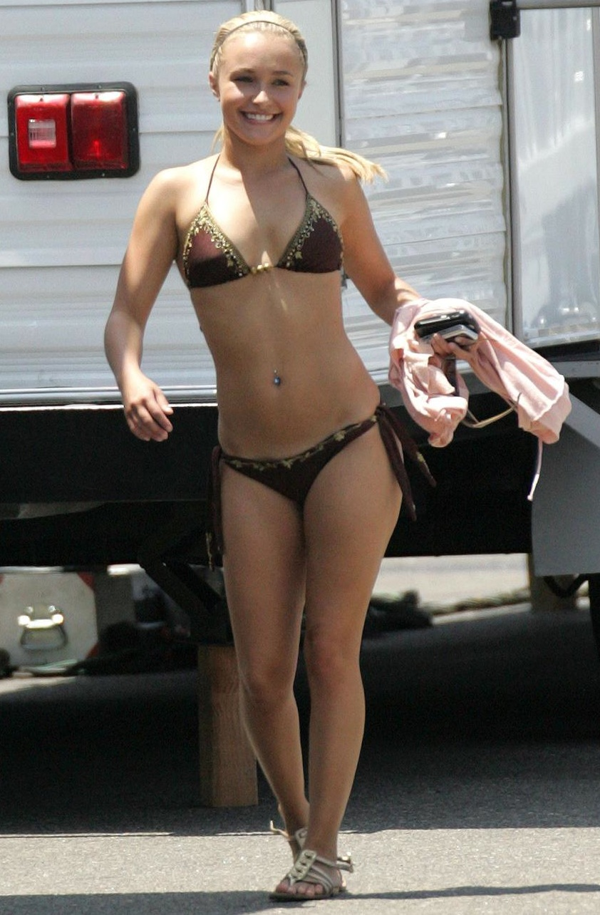 hayden-panettiere-bikini-photo.jpg