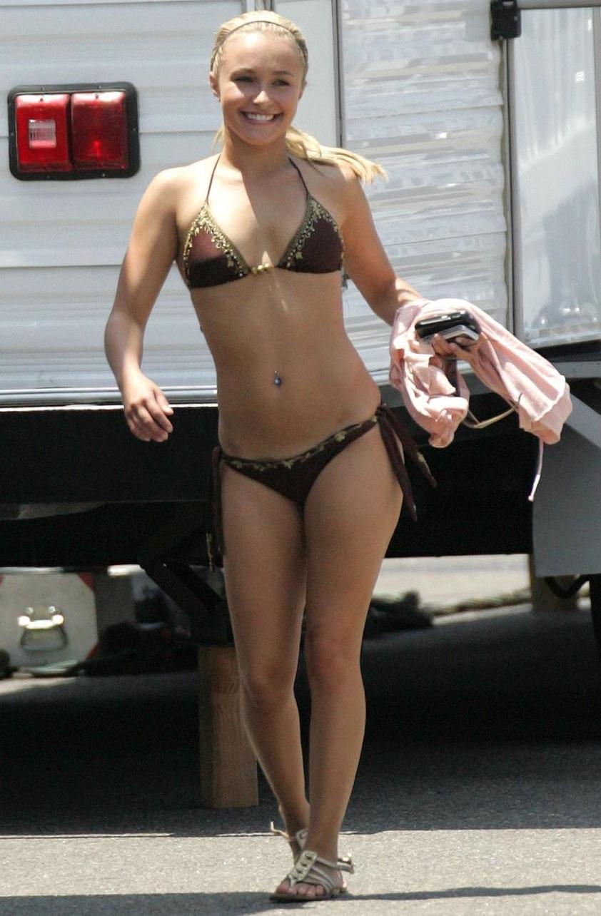 hayden panettiere in bathing suit