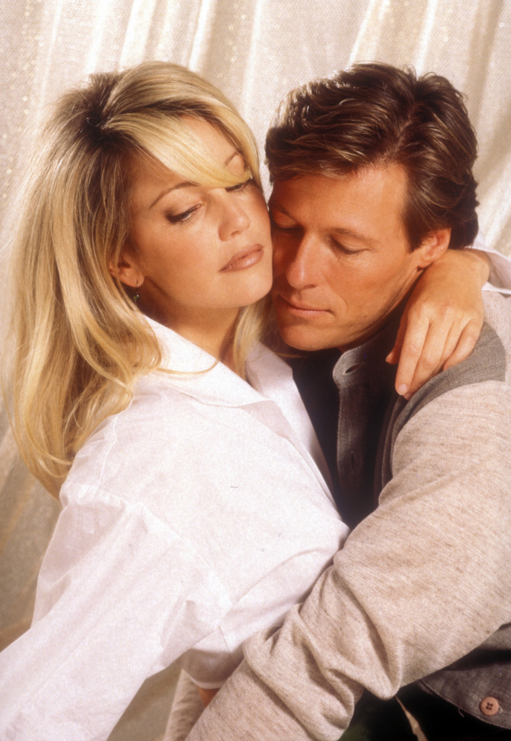 Heather Locklear and Jack Wagner are not engaged. At least not yet.