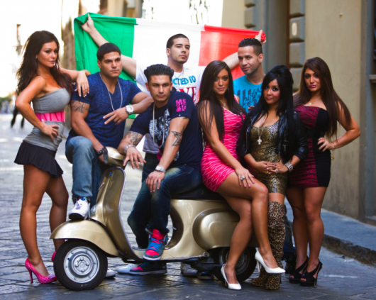 jersey shore. Jersey Shore Season 4 Cast Photo. Hopefully this photo shoot was Snooki#39;s