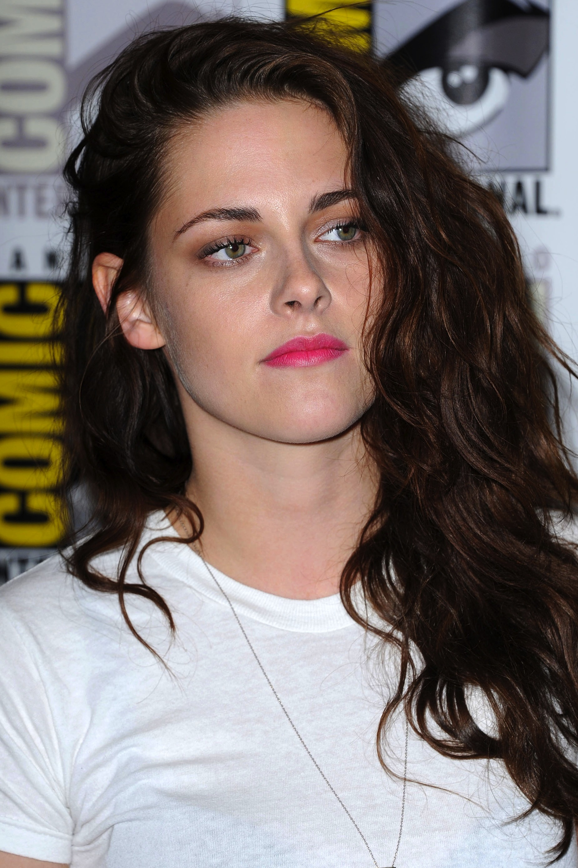 Kristen Stewart Hairstyle – Long, Messy and Carefree. Posted on June 17th,