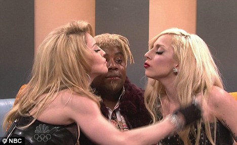 Lady Gaga Kisses. Lady Gaga and Madonna Kiss