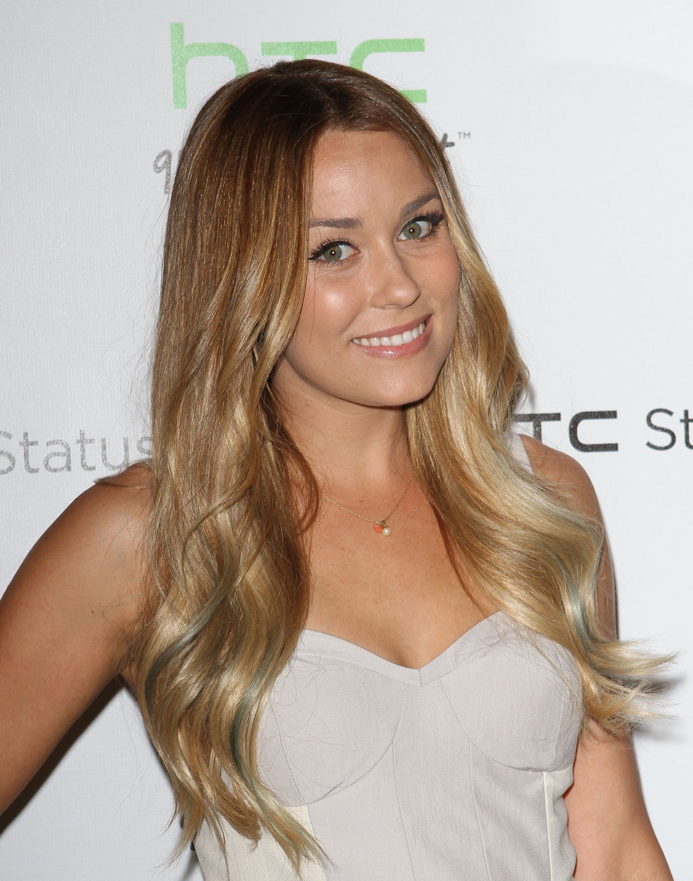 The following steps gave Lauren Conrad her hairstyle: Blow-dry hair.