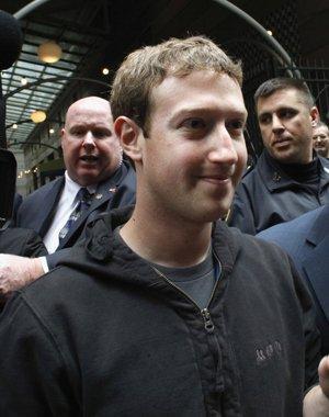 Mark Zuckerberg, Hoodie
