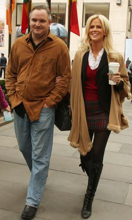 michaele and tareq salahi pic 266x442 Michaele Salahi Neal Schon Affair: Wildly Sexual, News to Tareq!