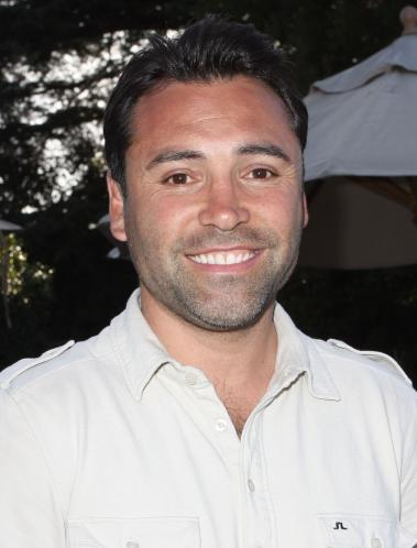 Oscar De La Hoya Pic. De La Hoya retired in 2009 and has since become a ...
