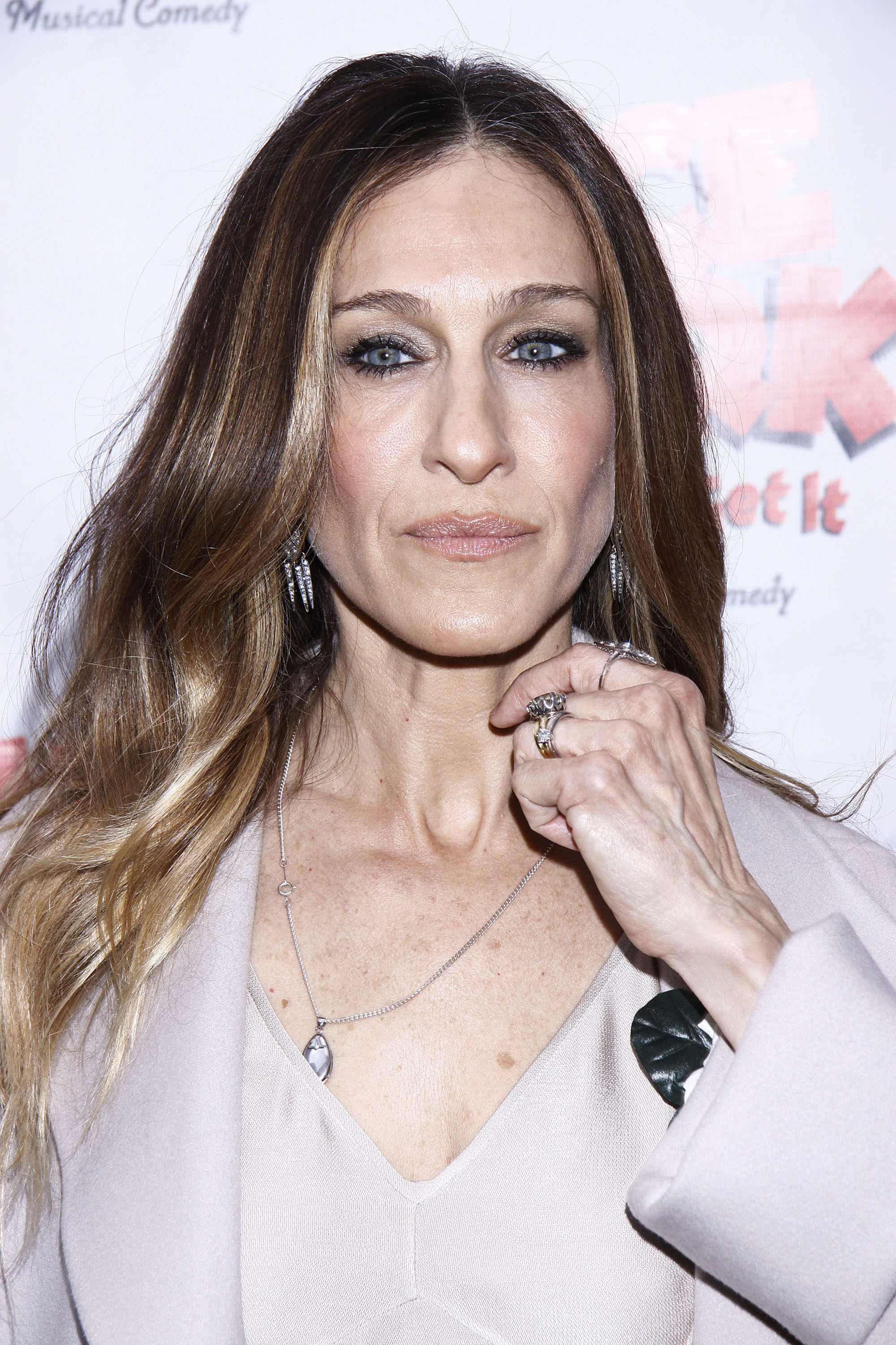 With that in mind, take a look at the Sarah Jessica Parker photo below.