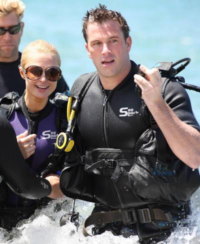 Scuba Diving Diva. He waited until his then-girlfriend jetted off to ...