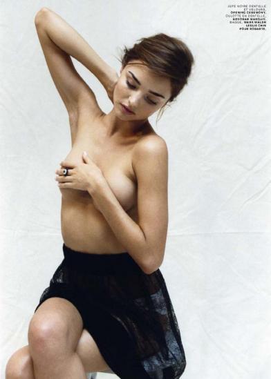 Sexy Miranda Kerr Topless