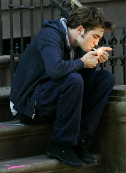 robert pattinson smoking cigarette. Robert Pattinson: Totally