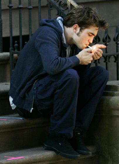 robert pattinson smoking cigarette. Robert Pattinson: Totally