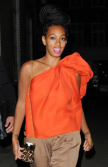 solange knowles photo 344x534 Solange Knowles Denied By Miami Club, Argues With Police Over Balloon