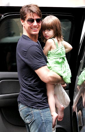 tom cruise daughter. Suri Cruise and Tom Cruise