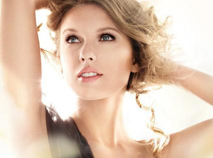 Cover Girl Taylor Swift on Taylor Swift Cover Girl Ad