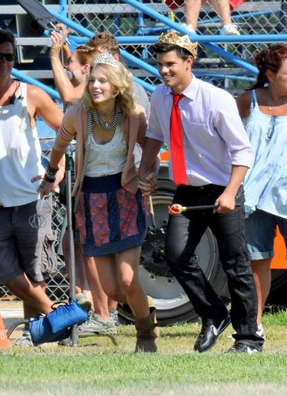 pics of taylor swift and taylor lautner