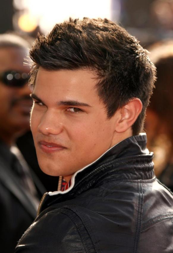 Very Hot Stuff. How can anyone resist Taylor Lautner?