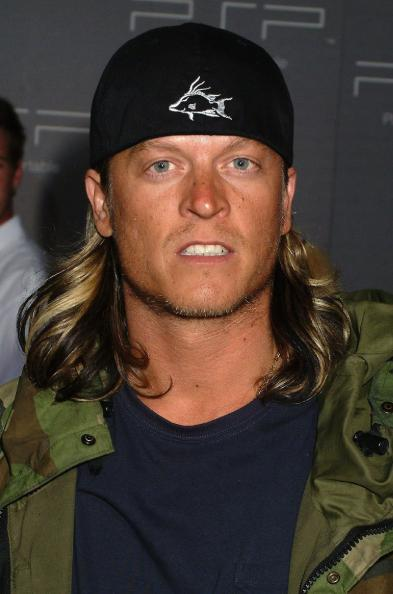 wes scantlin photo 393x594 Wes Scantlin Arrested After Drunken, In Flight Ruckus