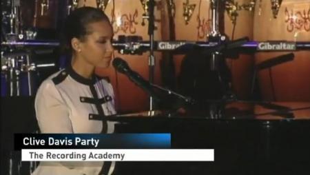 Alicia Keys Pays Tribute to Whitney Houston
