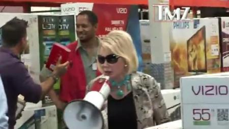 joan rivers costco protest 450x254 Joan Rivers Tells Off Anti Defamation League, Defends Nazi Comment