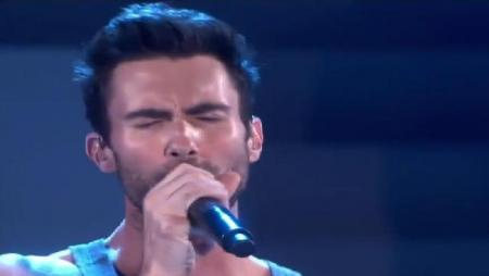 Maroon 5 - Moves Like Jagger (Live at Victoria's Secret Fashion Show)